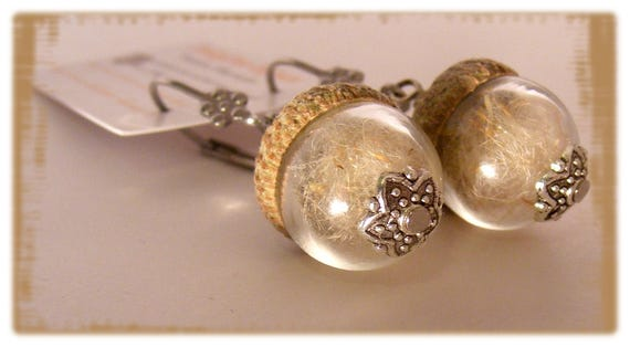 Boucles globes [acorn earrings]