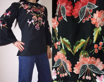 Vintage 70s boho gypsy hippie embroidered black blouse with bell sleeves