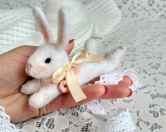 Felt bunny Needle felted rabbit Needle felted animal Merino wool felted hare Needle felted bunny Woolen animal miniature Needle felted hare