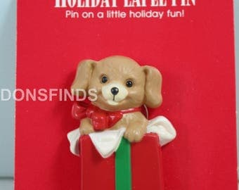 Hallmark Holiday Lapel pin - Puppy in a box