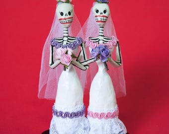 Wedding cake topper, Lesbian couple, Handmade skeleton paper mache figure, Day of the dead, Lesbian Wedding, Mexican Folkart, Bridal Gift