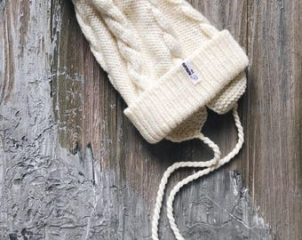 Cream Baby merino hat Organic baby clothes Baby reveal box Organic newborn hat Knit earflap hat Merino wool baby hat Woolen hat Crochet ear