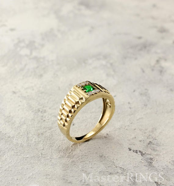 Genuine emerald mens signet ring in 14k solid gold Emerald