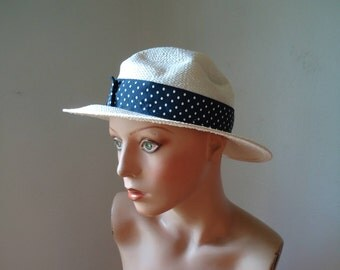 Vintage hat - Vintage women's hat - Women's hat - Vintage beach hat - Derby hat - Vintage female hat - White vintage hat, Blue and white hat