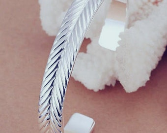 Silver Plated Bracelet like feather