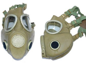 Gas Mask Post Apocalyptic, Mad Max, Wasteland, Fallout Vintage Military Steampunk Supplies party LARP grey green vintage clothing