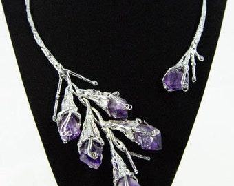 Silver Collar Necklace in Silver with Purple Amethyst