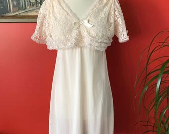 1950's-60's Ballet Pink Nylon Nightgown Lingerie Sweet and Sexy Bombshell Wedding Night VLV Pajama Party!