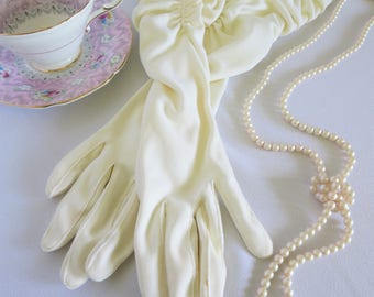 Vintage Gloves, Long Gloves, Evening Gloves, Vintage, Gloves, Gathered, White, Off White, Elegant, Costume