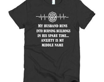 Short sleeve women's t-shirt - firefighter wife