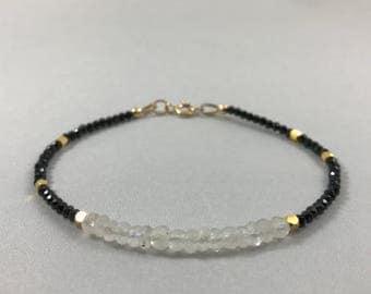 Moonstone Bracelet. June Birthstone Bracelet. Moonstone Jewelry. Natural Gemstone. Beaded Moonstone Bracelet Boho Jewelry. Mother's Day