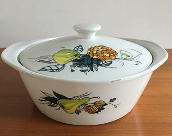 Villeroy and Boch vintage bowl with lid, najaarsgroenten. Made in Luxembourgh.
