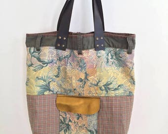 Bag flowers and gold