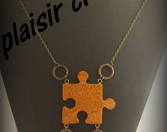 LOND necklace resin puzzle