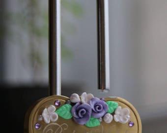 Love lock. Handengraving. Wedding. Padlock. Personalised. Roses.