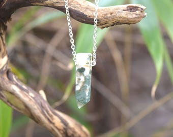 Green and White Marble Moss Agate Necklace