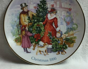 Avon 1990 Christmas Collector Plate - Bringing Christmas Home (#106)