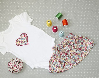 Heart Flower Print Embroidered Baby Grow set with Skirt – 100% Cotton Baby Bodysuit – Gift for Babies – Newborn – Baby Shower