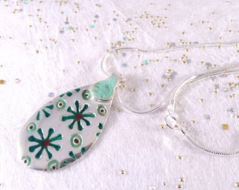 "Modern enameled 999 silver pendant, ""LEAVES"""