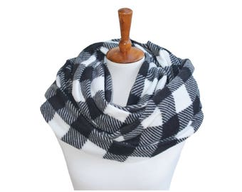 Black and White Plaid Fleece Infinity Scarf - Circle Scarf - Cowl - Winter Scarf - Scarves for Women - Chunky Scarf - Winter Gift