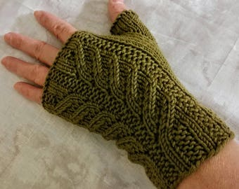 Entwife Mitts Pattern