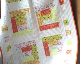 pdf baby quilt pattern...quick and easy...jelly roll, fat quarters, or scraps..Mary Mary Quite Contrary....modern quilt