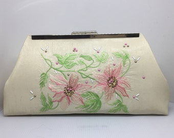 Ivory silk Bridal clutch/embroidered wedding purse/embroidered and embellished purse/party clutch/evening clutch,
