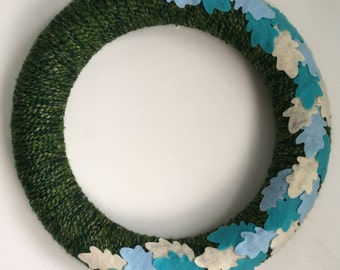 Felt Oak Leaf Wreath-Yarn Wreath-Handcut leaves