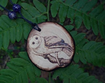 Natural wood pendant Owl - Rustic style owl jewellery pyrography – Barn Owl gifts for her – mother earth forest necklace. Owl jewelry wood .