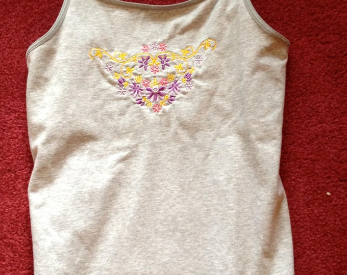 Grey Jersey Tshirt with sewn in bra and Embroidered With Pink, Purple and Gold Floral Design Size 14-16 XL, Grey Embroidered Tshirt For Teen