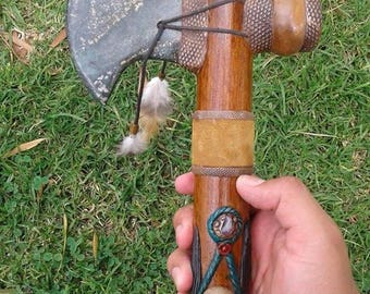 Beautiful Handcrafted Ecuadorian Jade Stone Tomahawk Ceremonial Pipe,Tobacco Pipe, Pipe of Piece, Native Pipe, Peace pipe, Acenstral,Natural