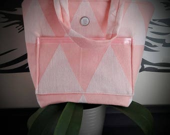 Pink cotton bag with geometric patterns