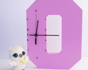 "Wooden Letter ""O"" Clock 