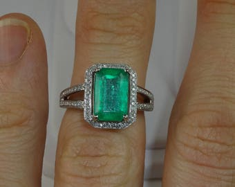 Colombian Emerald Engagement Ring. 10K White Gold. Real emerald. Diamond Pave.