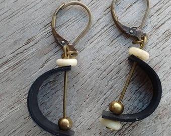 Dangling earrings in inner inner and beads - fancy earrings - dangle bronze beads and white - tire earrings
