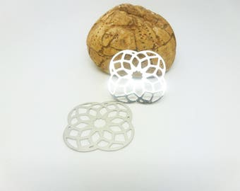 2 filigree stylized flower 25mm rhodium (XEF13) prints