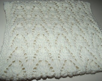 Round neck 100% hand knitted wool