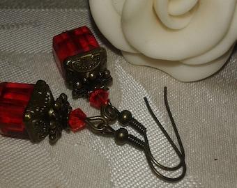 Earrings 10 mm polished cube beads