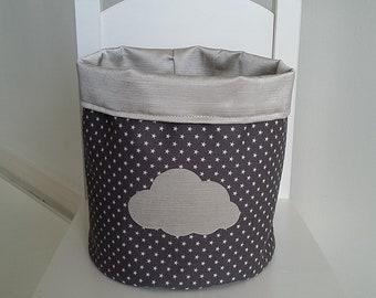 Grand panier/corbeille de rangement pour chambre bébé/enfant mixte en coton gris et beige satiné. Vide poche. Motif nuage.