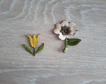 coats applied to back of flowers