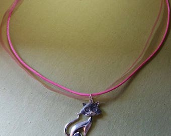 Pink cat pendant necklace