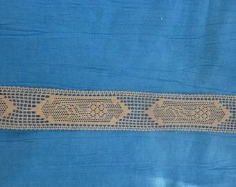 2.80 m 25 mm wide beautiful patterns salmon beige vintage lace
