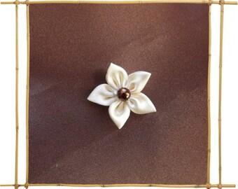 small kansashi ivory satin flower