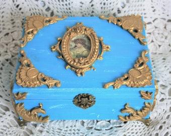 Turquoise jewelry box Upholstered jewelry box Jewelry organizer Jewelry storage box Keepsake box Jewelry holder Gift for her Trinket box