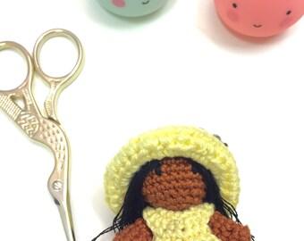 Miniature girl plannercharm / keyring / pursecharm medium skinn tone