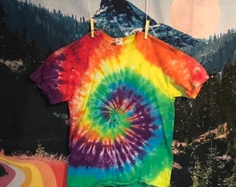 rainbow spiral tie dye tee, size medium