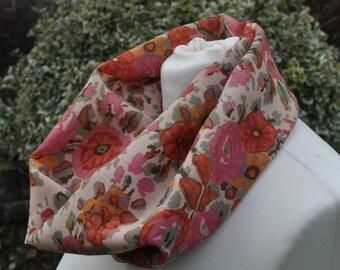 Cowl/snood infinity in Liberty Varuna Wool, pink, cream, green floral