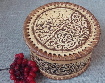 """Wooden Birch Bark box , wood carved jewelry box , decorative box , trinket box , rings box , Day and Night , D 5,3 """"  H 3,1"""""""