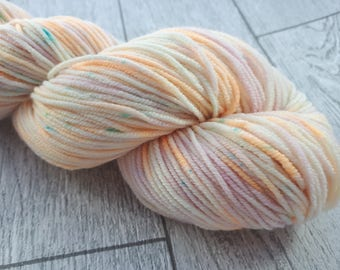 Narcissus Blush - DK Merino Superwash Double Knit Hand Dyed Yarn Light Worsted