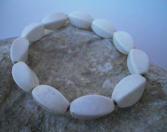 Magnesite bracelet #023